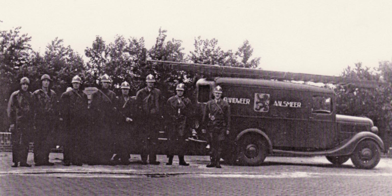 Een wedstrijdploeg van Brandweer Aalsmeer - deelnemend aan vaardigheidswedstrijden